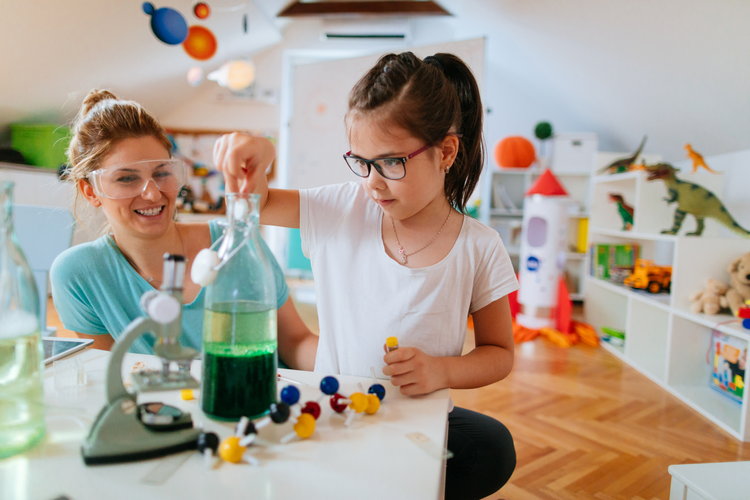5 Cool Science Projects for School Kids